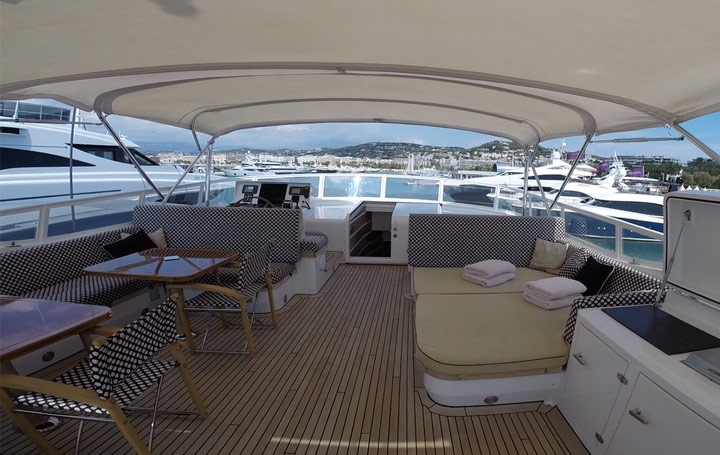cannes-yachting-moonen-pont-superieur