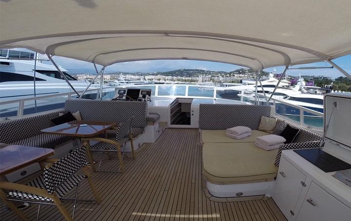 cannes-yachting-moonen-pont-superieur