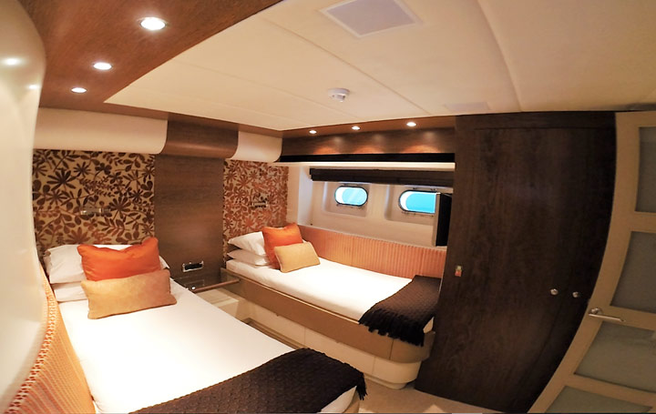 mooen-94-yachting-cannes-cabine