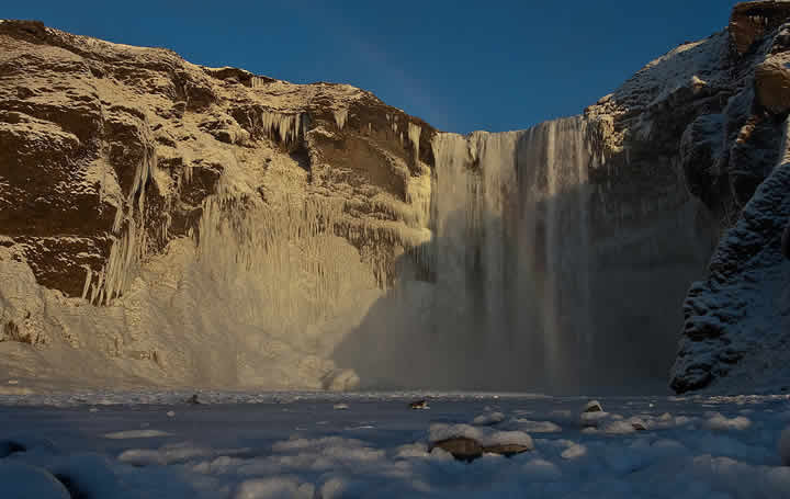 Skogafoss_winter